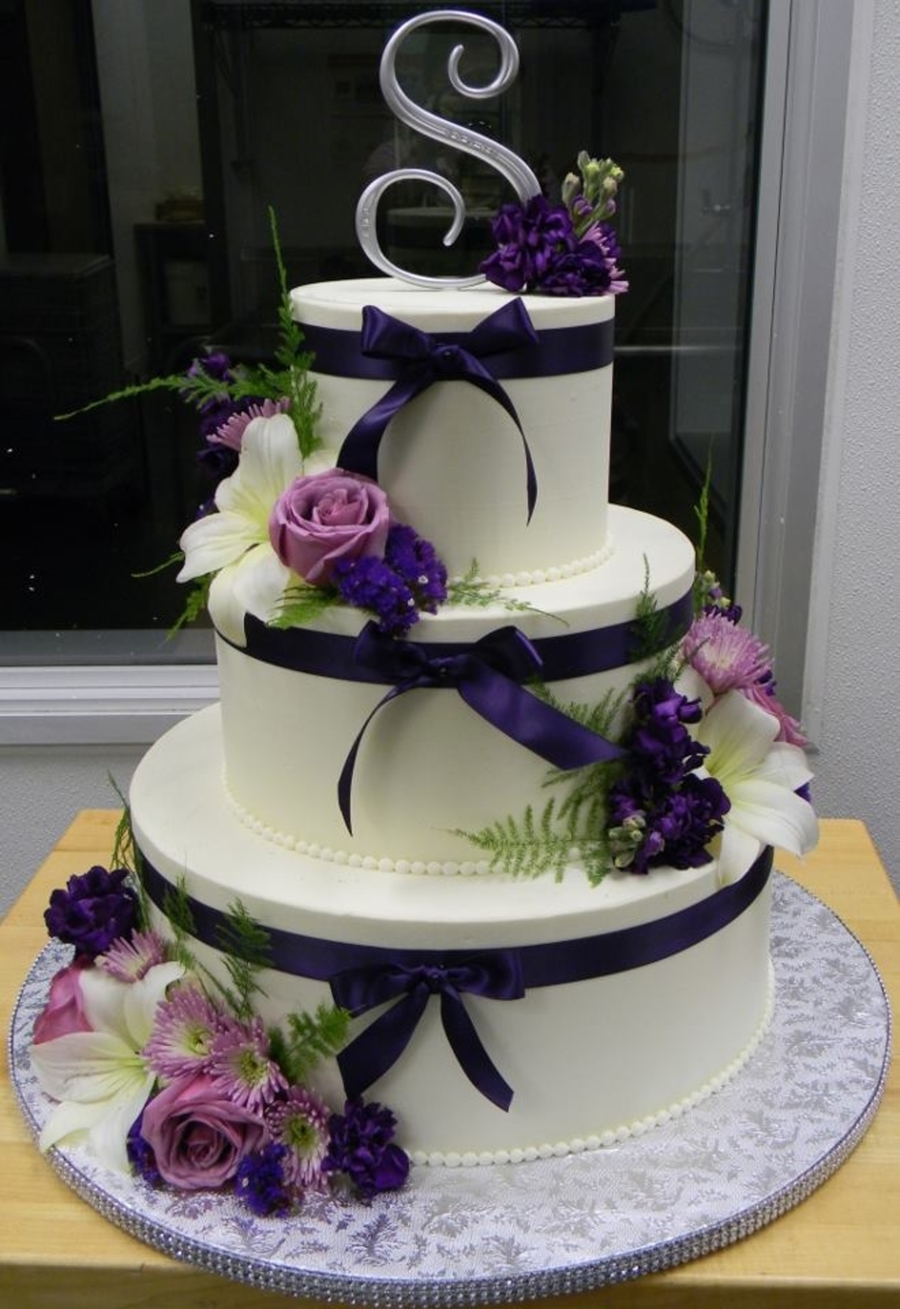 Navy Ribbon And Lavender Roses  on Cake Central