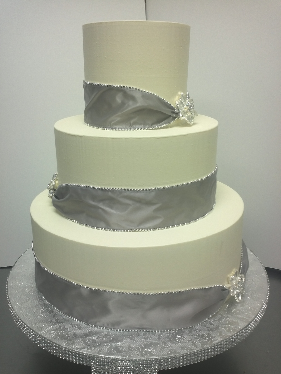 Silver Ribbon on Cake Central
