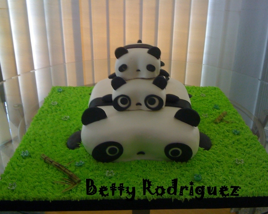 Tare Panda on Cake Central