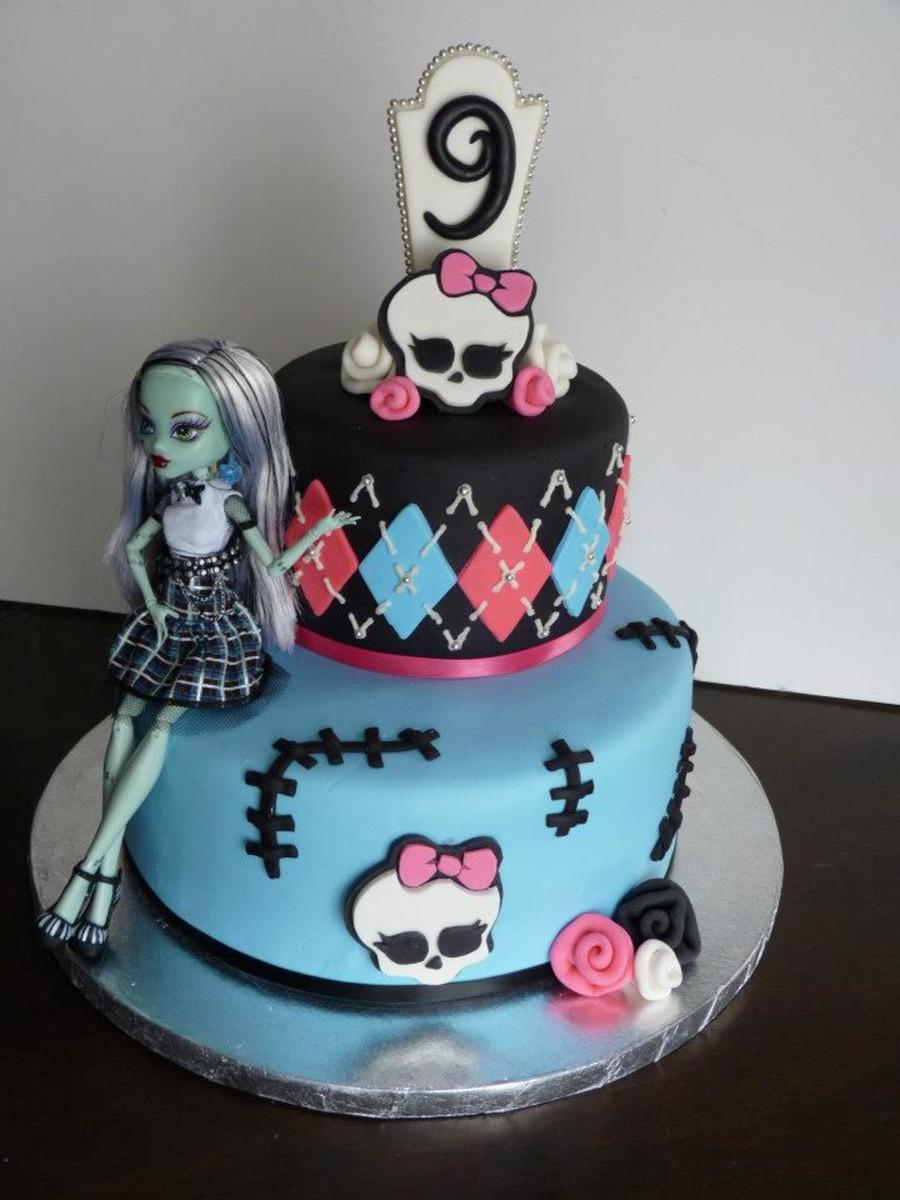 Monster High Cake Fondant And Gumpaste With Doll
