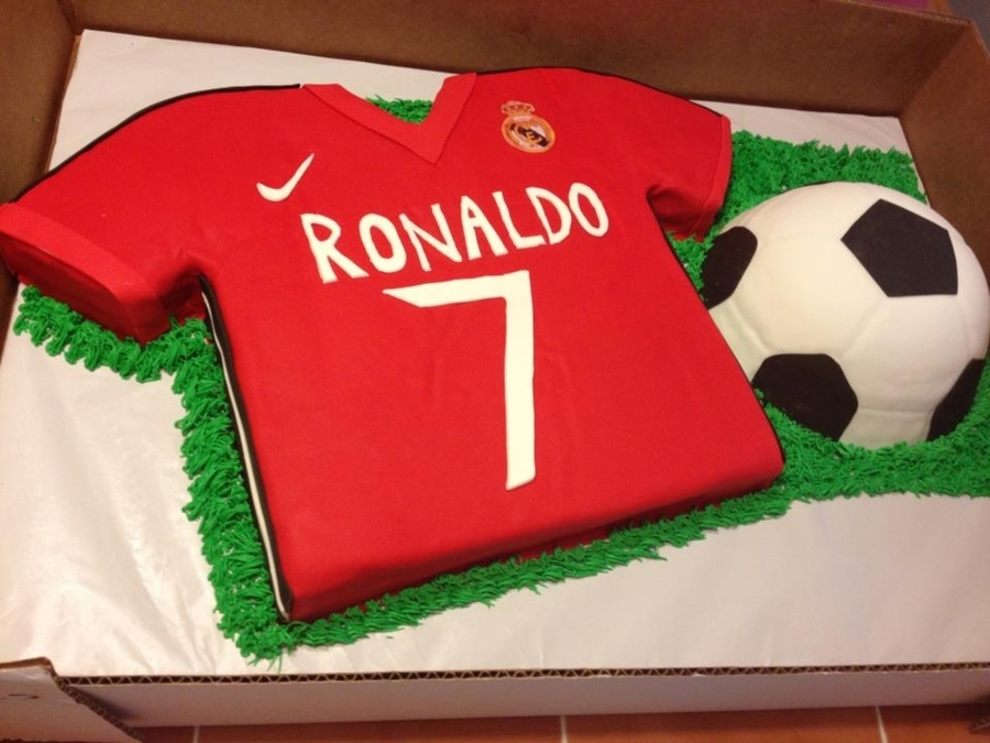 Real Madrid Soccer Cake on Cake Central