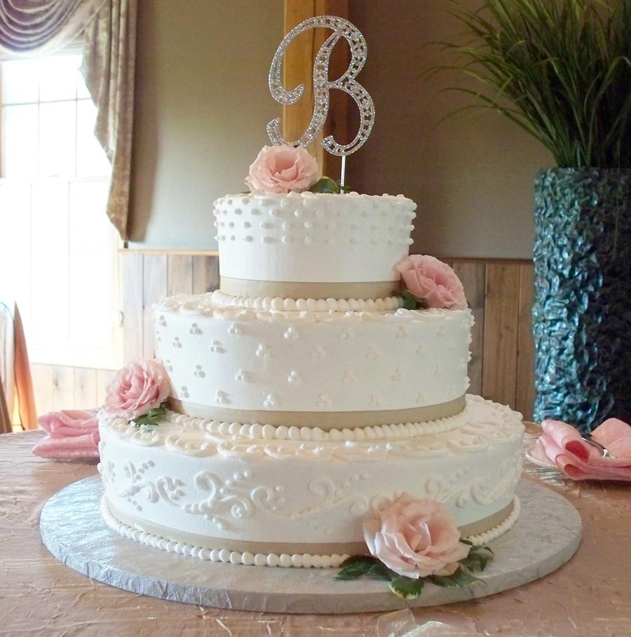 Ribbon Roses Wedding Cake: Mixed Design Wedding Cake With Ribbon And Fresh Roses