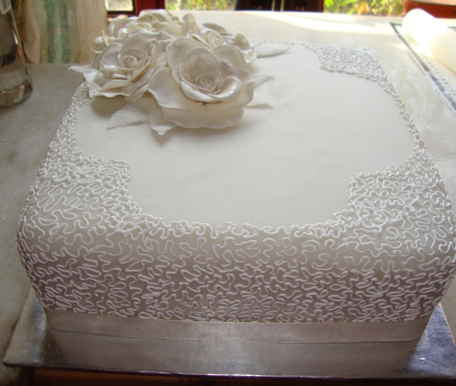Single Tier Square Wedding Cake With Gumpaste Roses