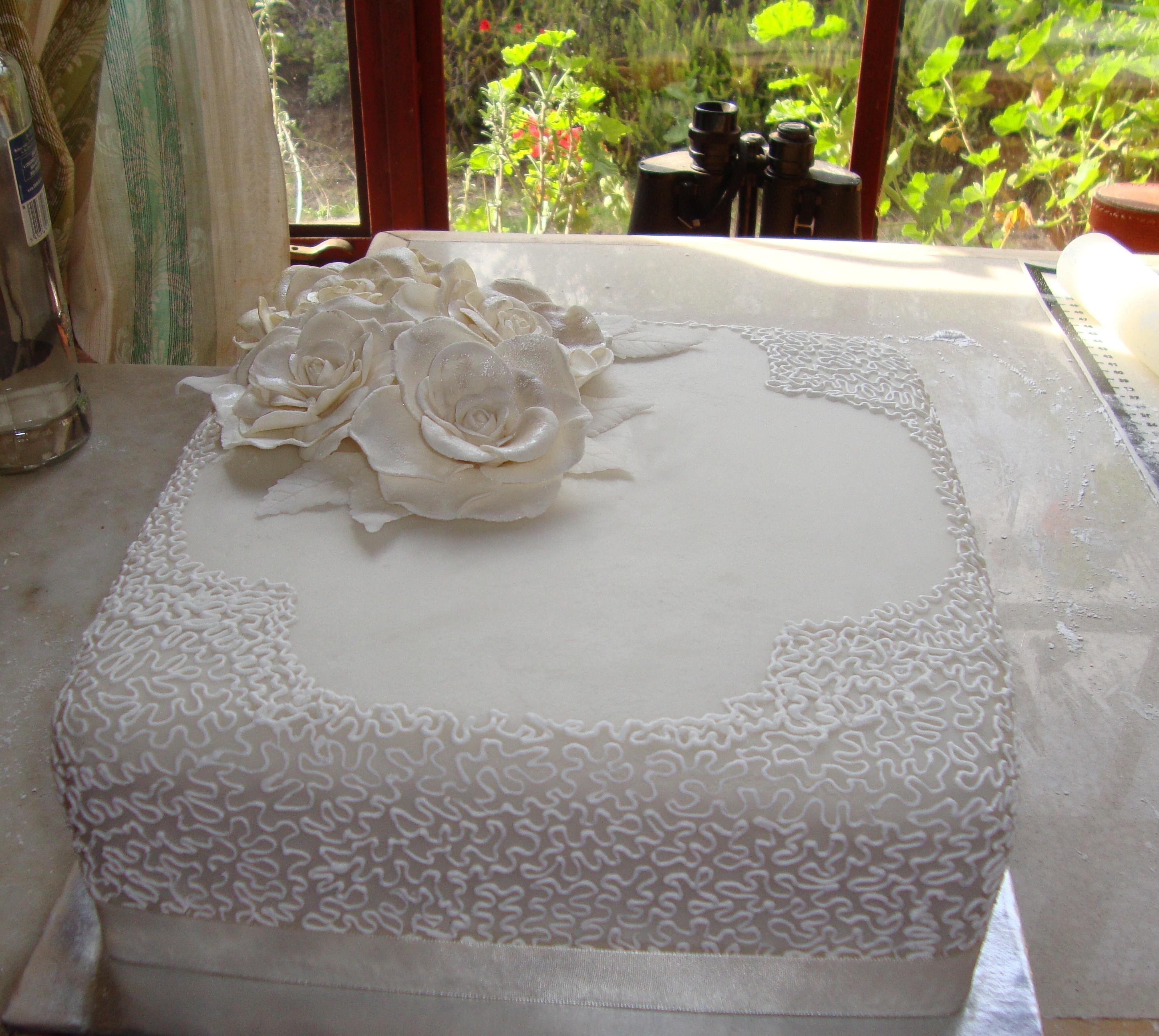 Single Tier Square Wedding Cake With Gumpaste Roses