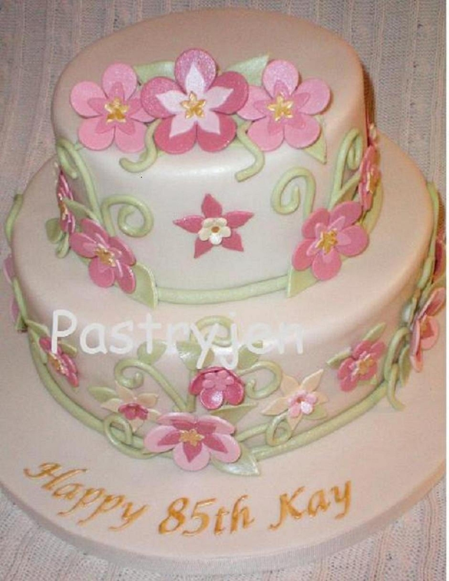 Kay's 85Th  on Cake Central