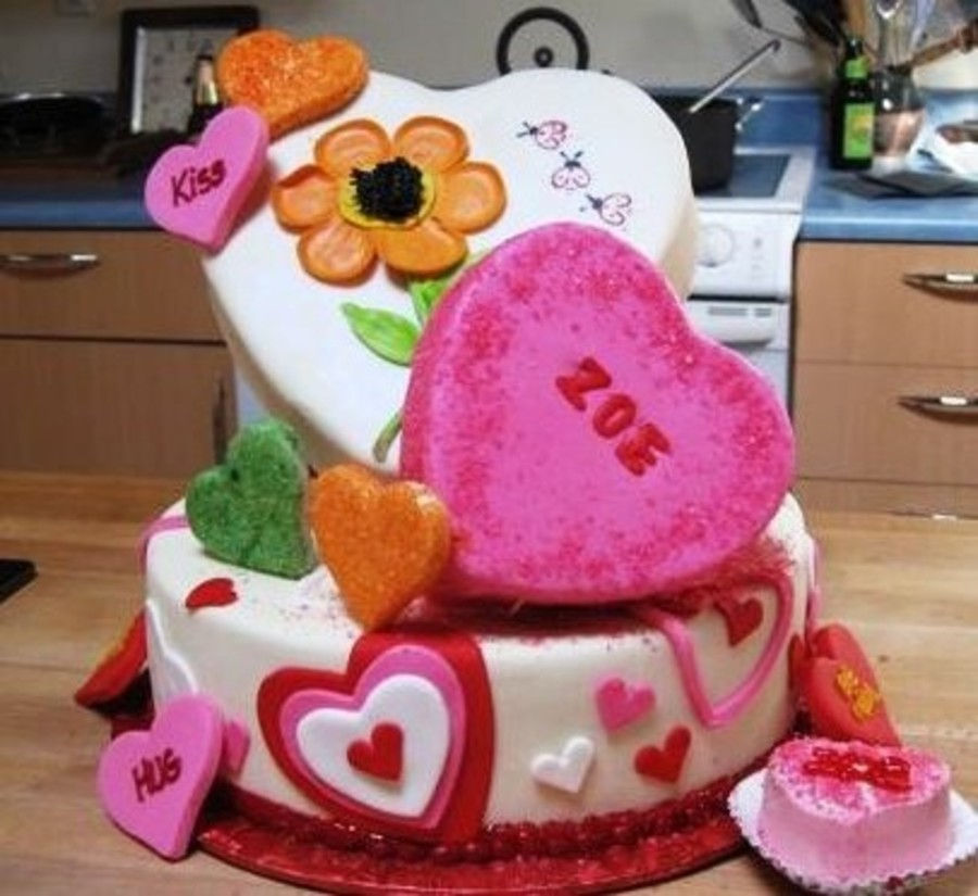 Enjoyable Valentine Birthday Cake Cakecentral Com Funny Birthday Cards Online Fluifree Goldxyz