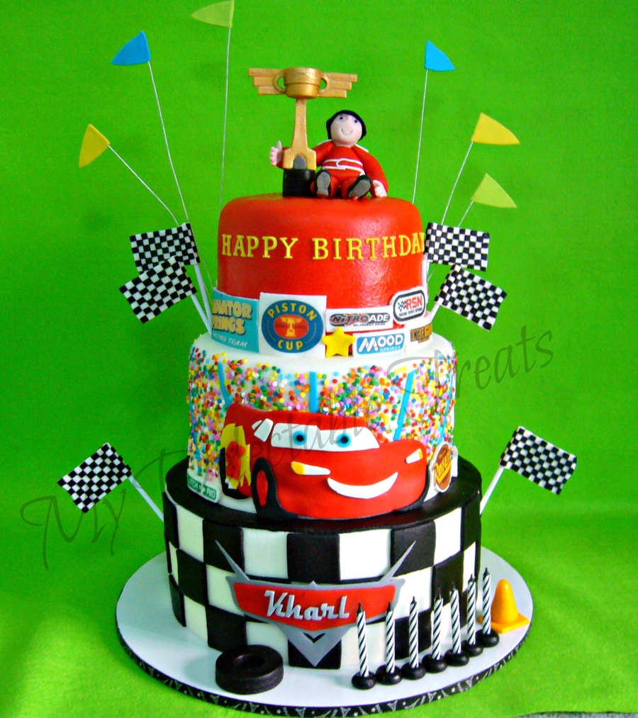 kharl 39 s cars themed birthday cake. Black Bedroom Furniture Sets. Home Design Ideas