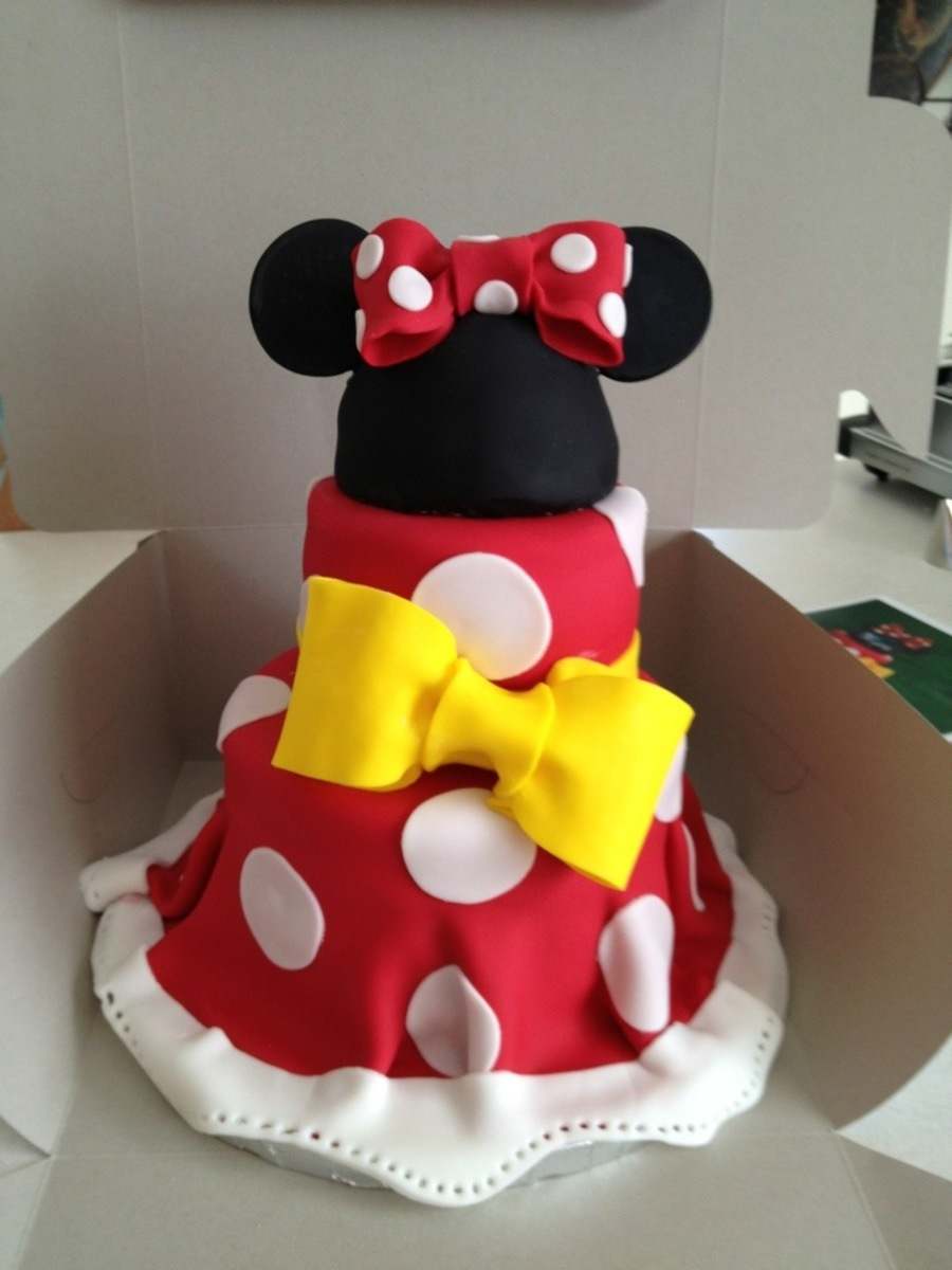 Mini Mouse Cake on Cake Central
