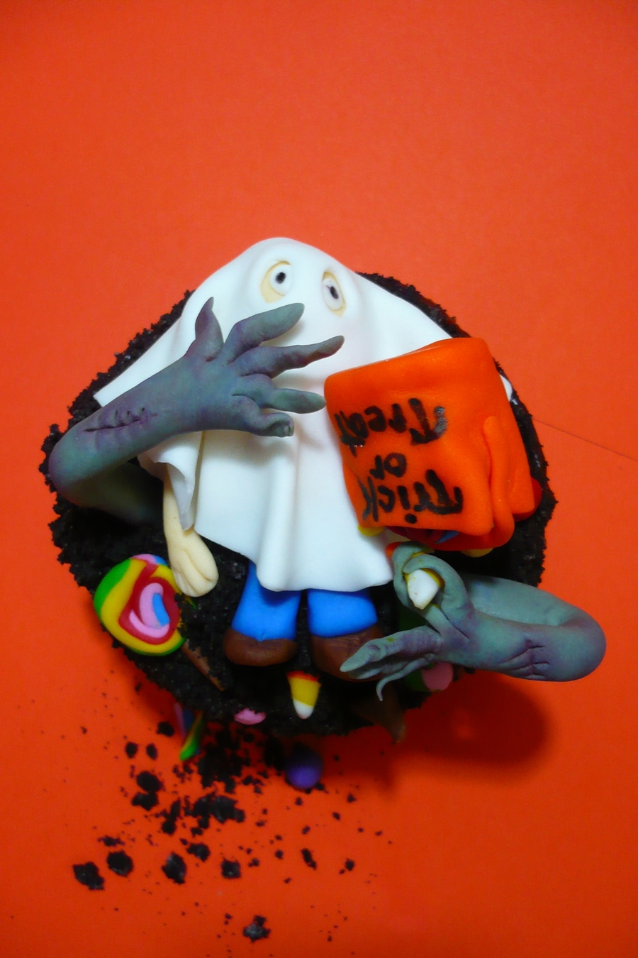 Trick-Or-Treat Surprise Ghoul Cupcake on Cake Central
