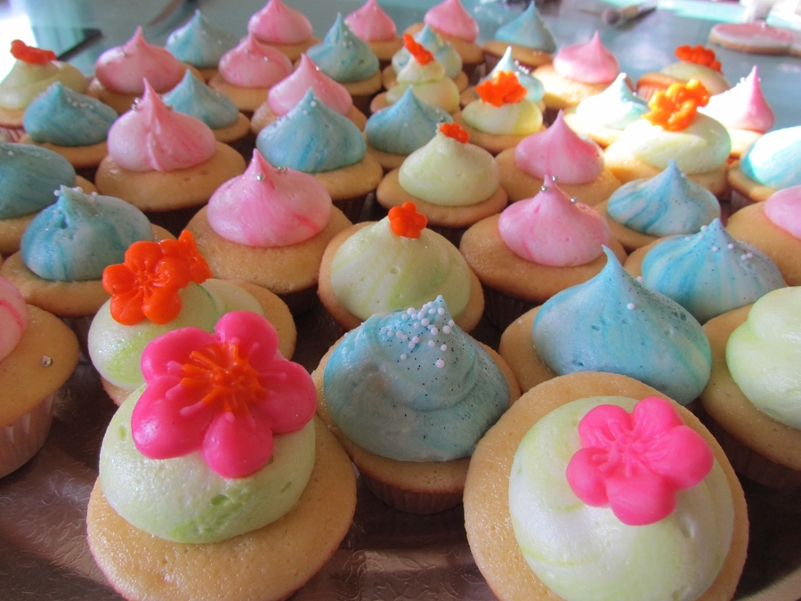 Mini Cuppies on Cake Central