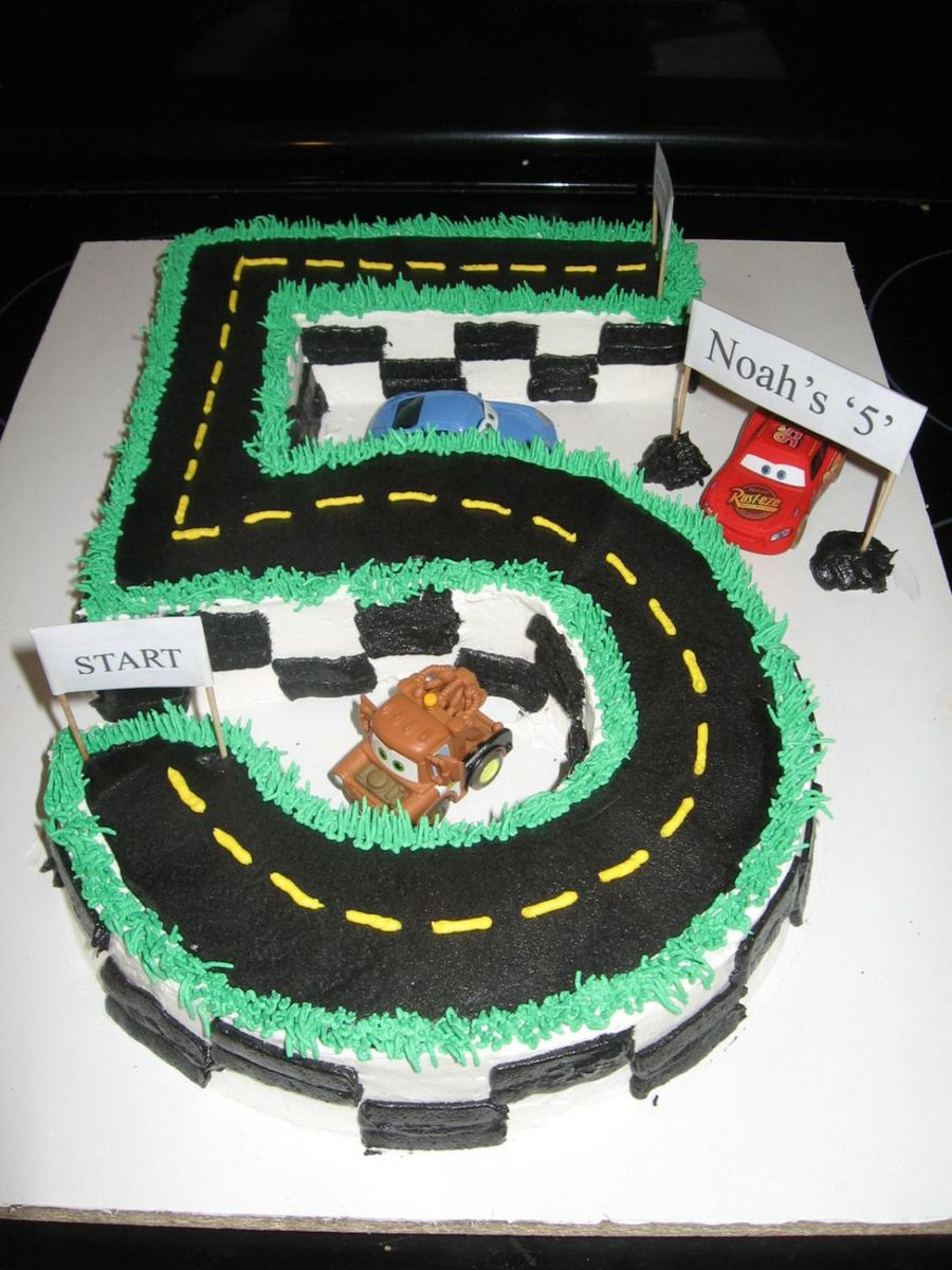 Cake Decorating Car Race Track : Cars Birthday Cake - CakeCentral.com