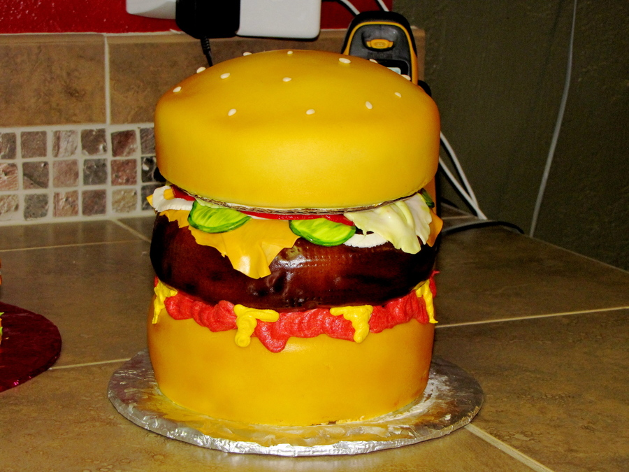 Giant Cheeseburger on Cake Central