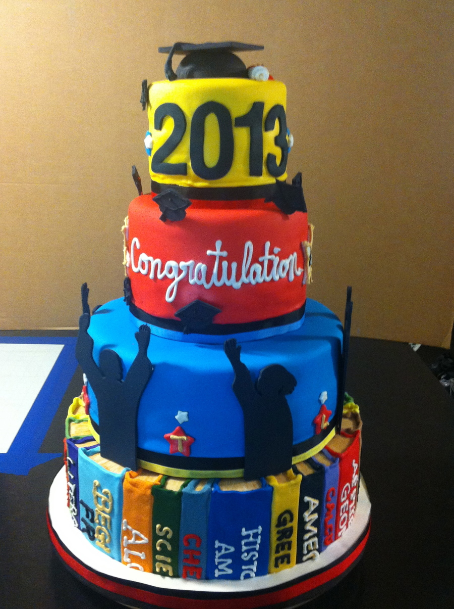 2013 Graduation Cake Chocolate And Vanilla With
