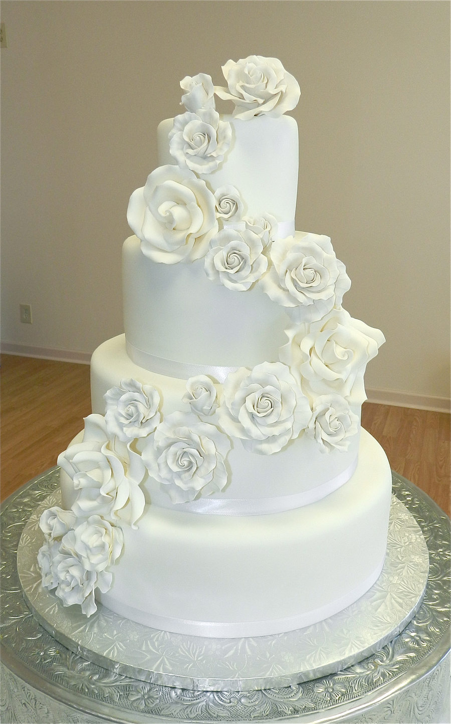 White Roses Wedding Cake On Central