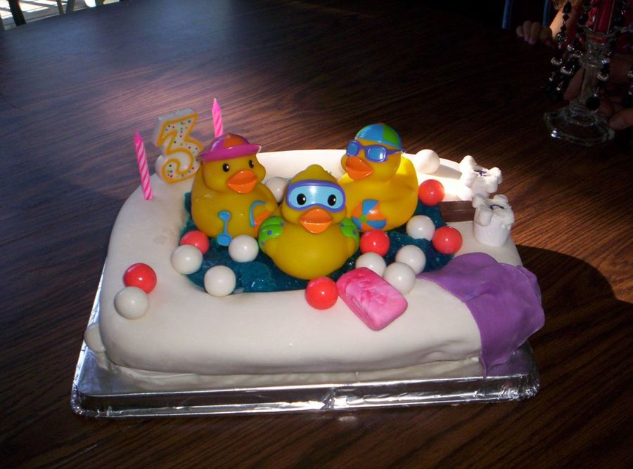 Rubber Duckies In Bathtub on Cake Central