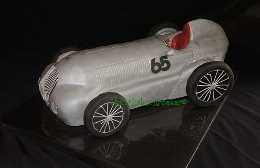 Oldtimer M 125 Mercedes Silberpfeil on Cake Central