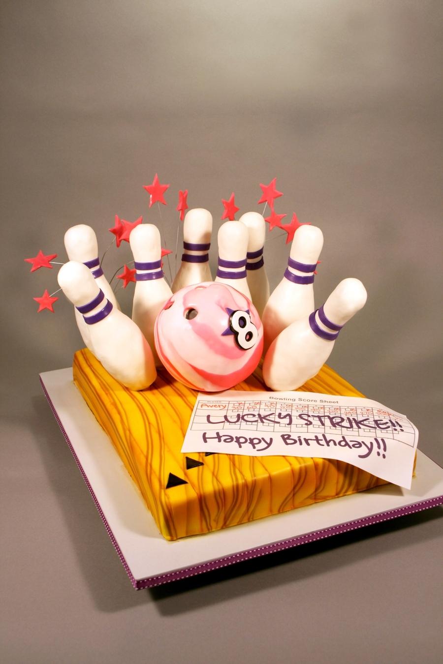 Bowling Ball Cake Decorating