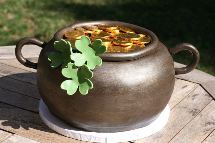 Pot O' Gold on Cake Central