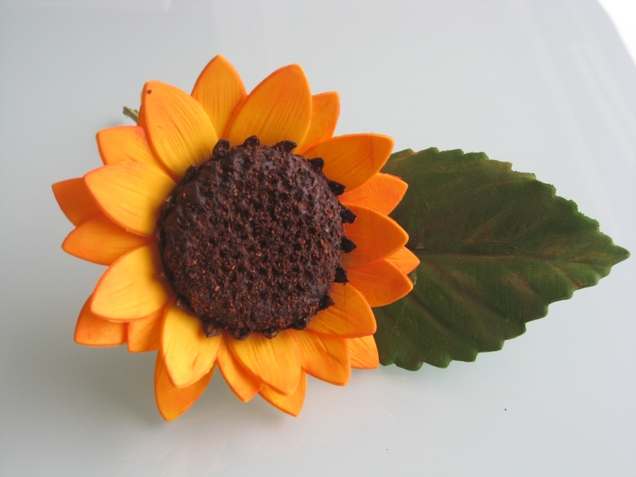 Sunflower From Nicholas Lodge Class on Cake Central