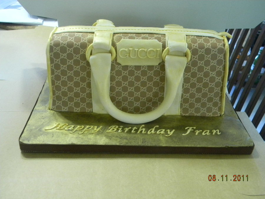 Gucci Purse on Cake Central