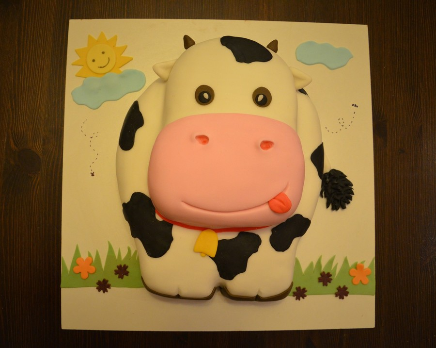 Little Cow on Cake Central