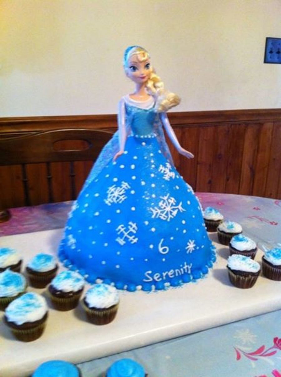 Frozens Elsa Doll Cake For My 6 Year Old Granddaughter All