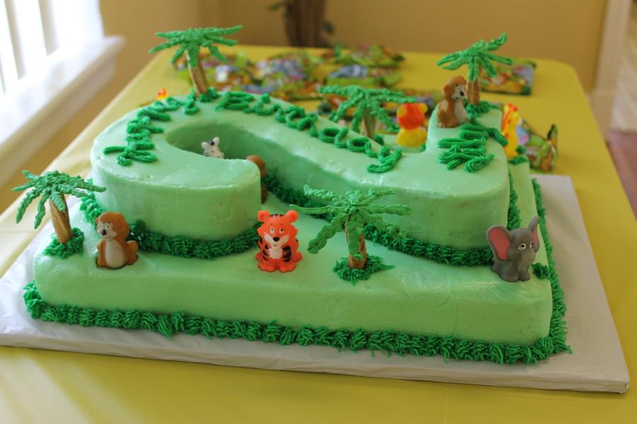 11x15 Sheet Cake With An Additional 11x15 Sheet Cake Cut