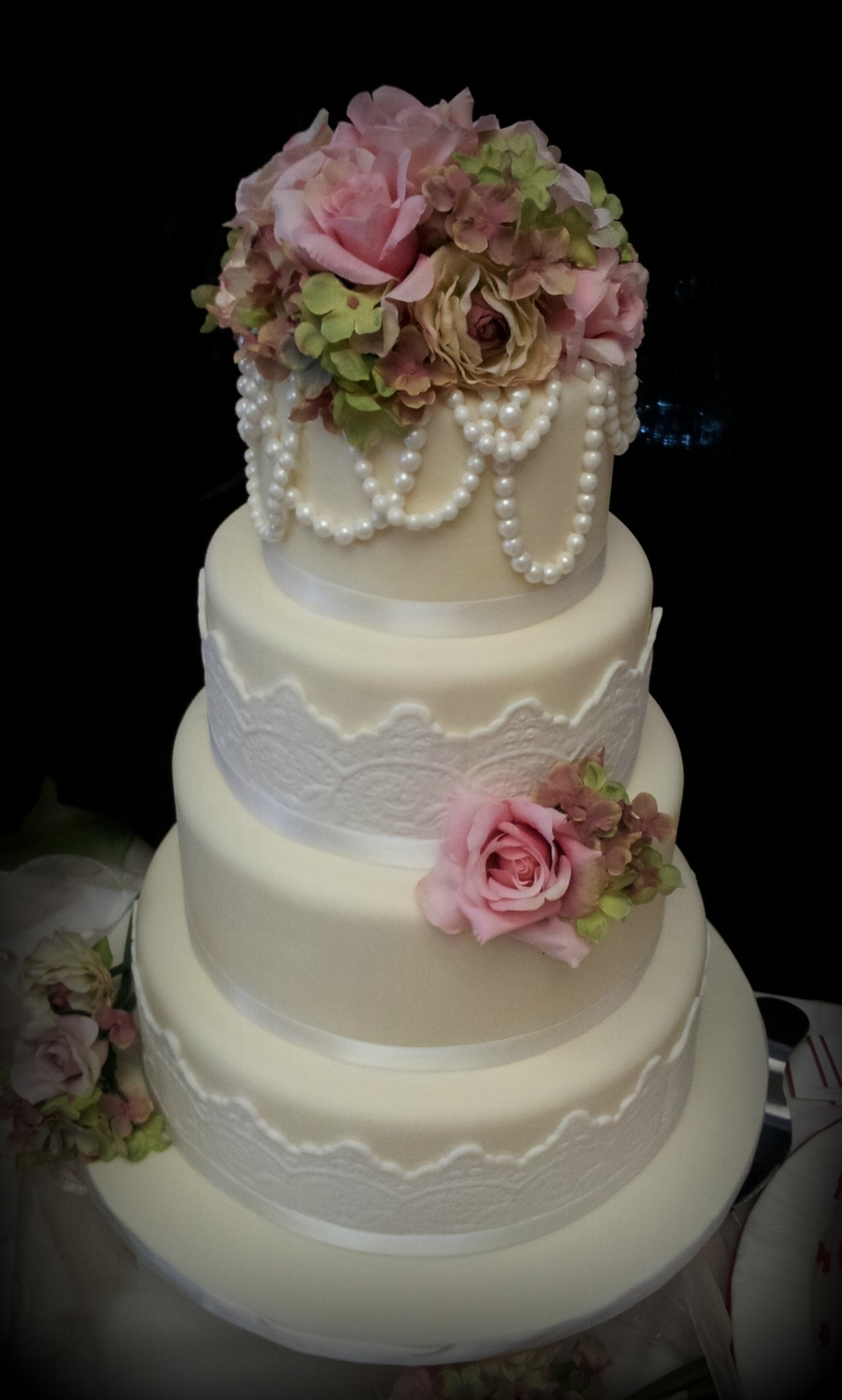 Vintage Pearls  on Cake Central