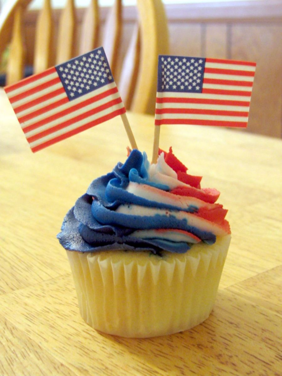 Red White And Blue Cupcakes on Cake Central