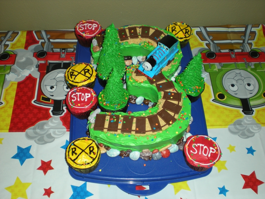 How To Make A Train Shaped Birthday Cake