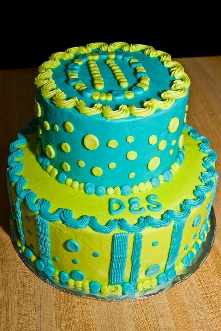 Green/polka Dot on Cake Central