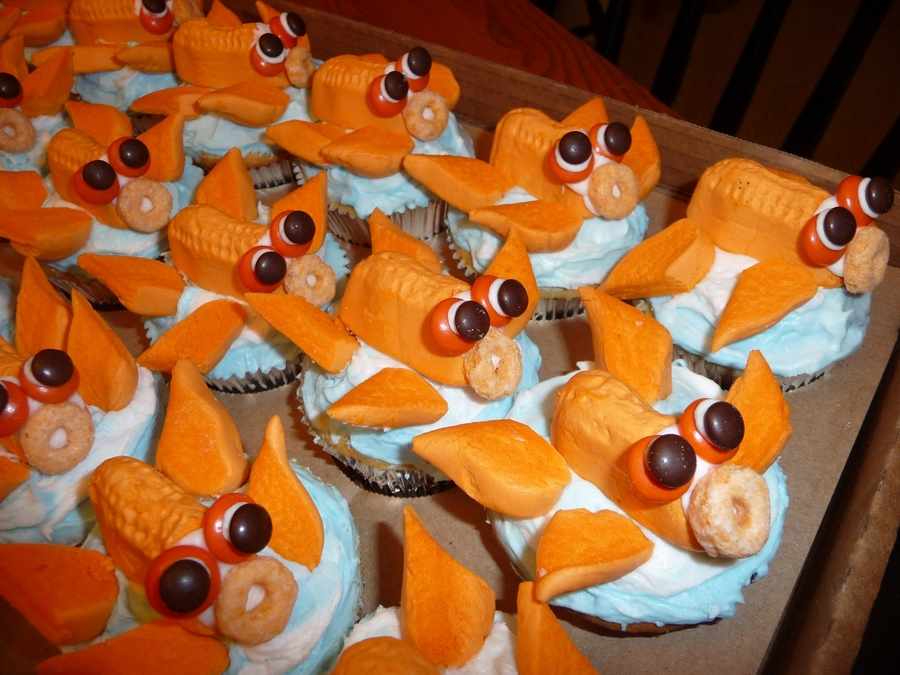 Gold Fish Cakes For Little Fin on Cake Central