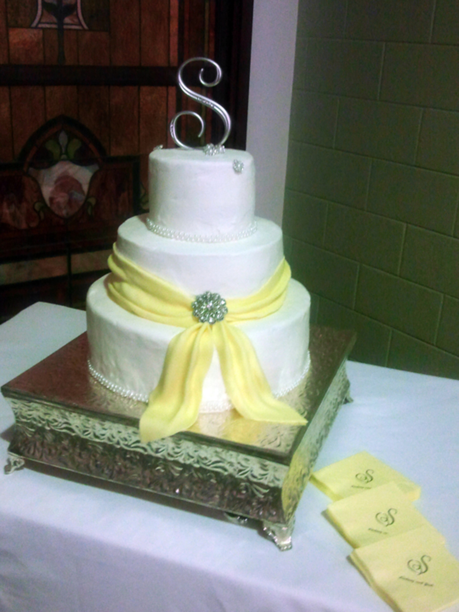 no fondant wedding cake pictures buttercream wedding cake with fondant sash cakecentral 17904