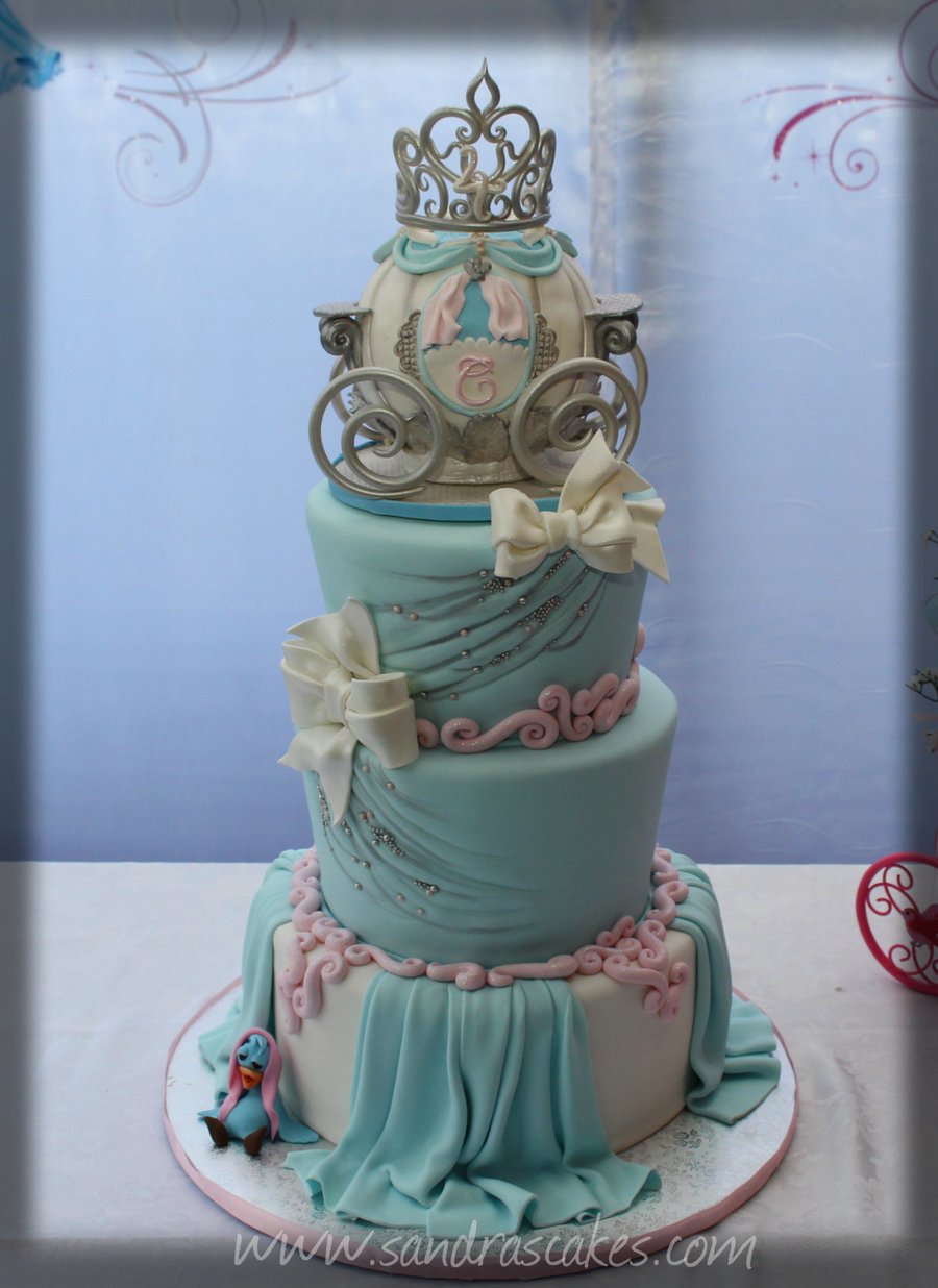 how to make a cinderella carriage birthday cake