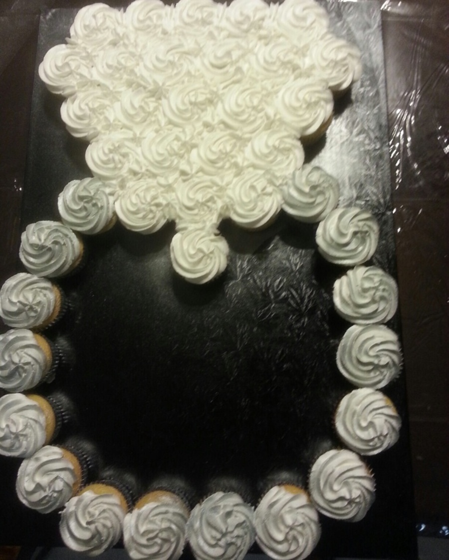Diamond Ring Cupcake Cake Cakecentral Com