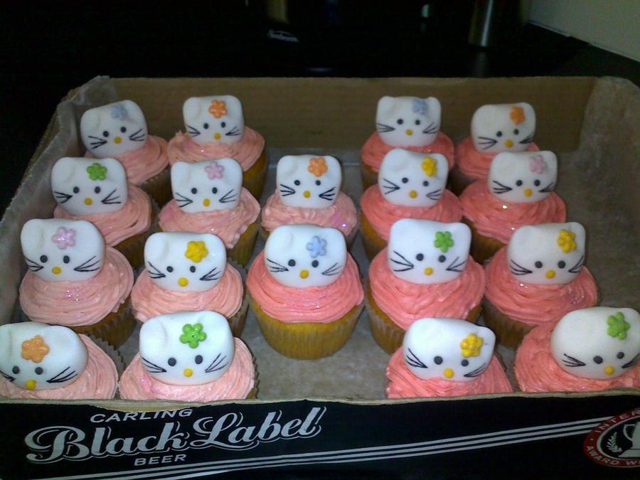 Hullo Kitty Cupcakes on Cake Central