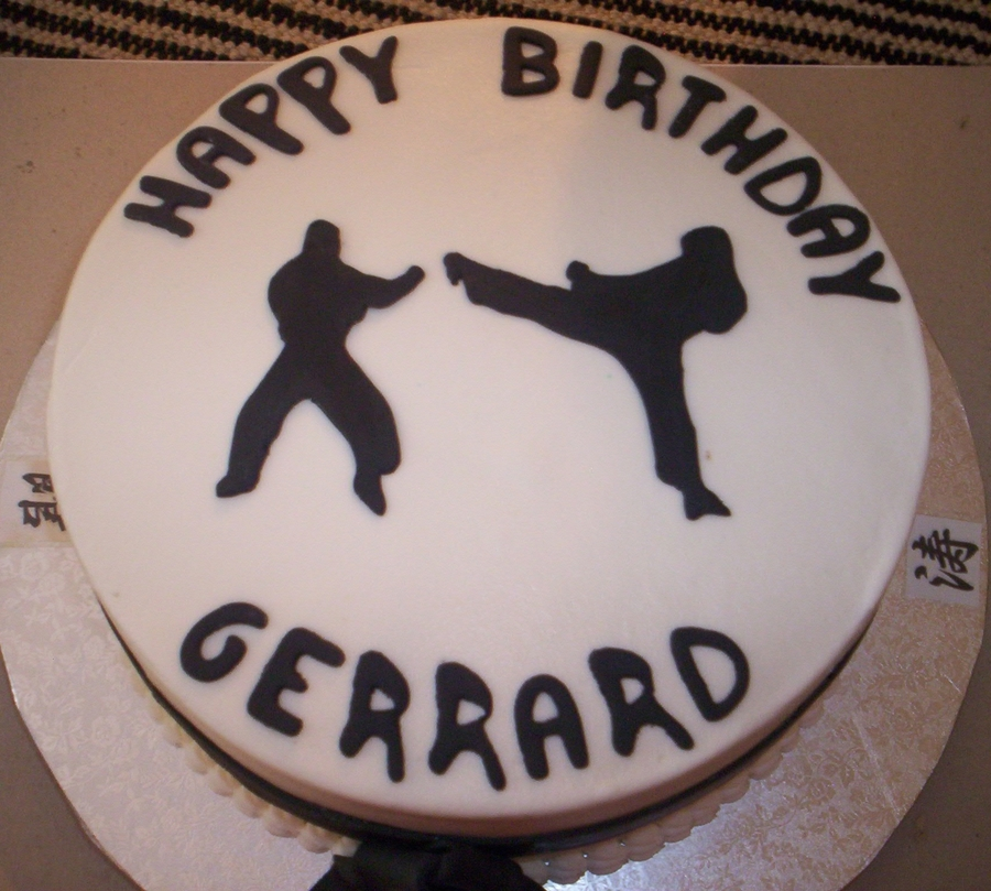 Gerard's Karate Cake on Cake Central