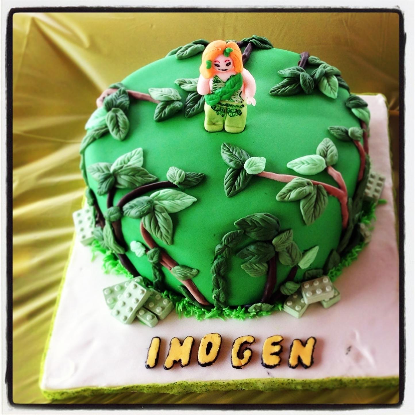Lego Batman And Poison Ivy Cakecentral Com