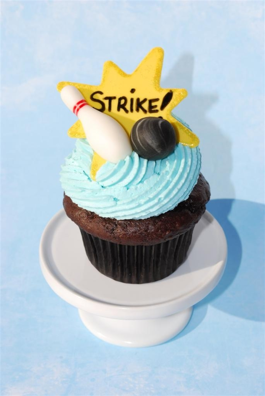 Bowling Cupcake on Cake Central