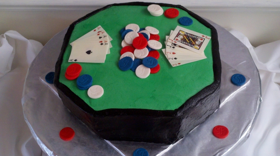 Poker Table on Cake Central