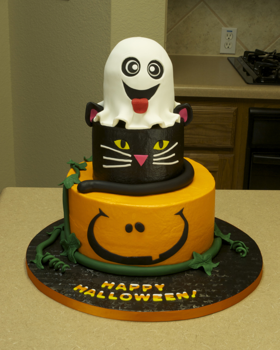 Halloween Cake! on Cake Central