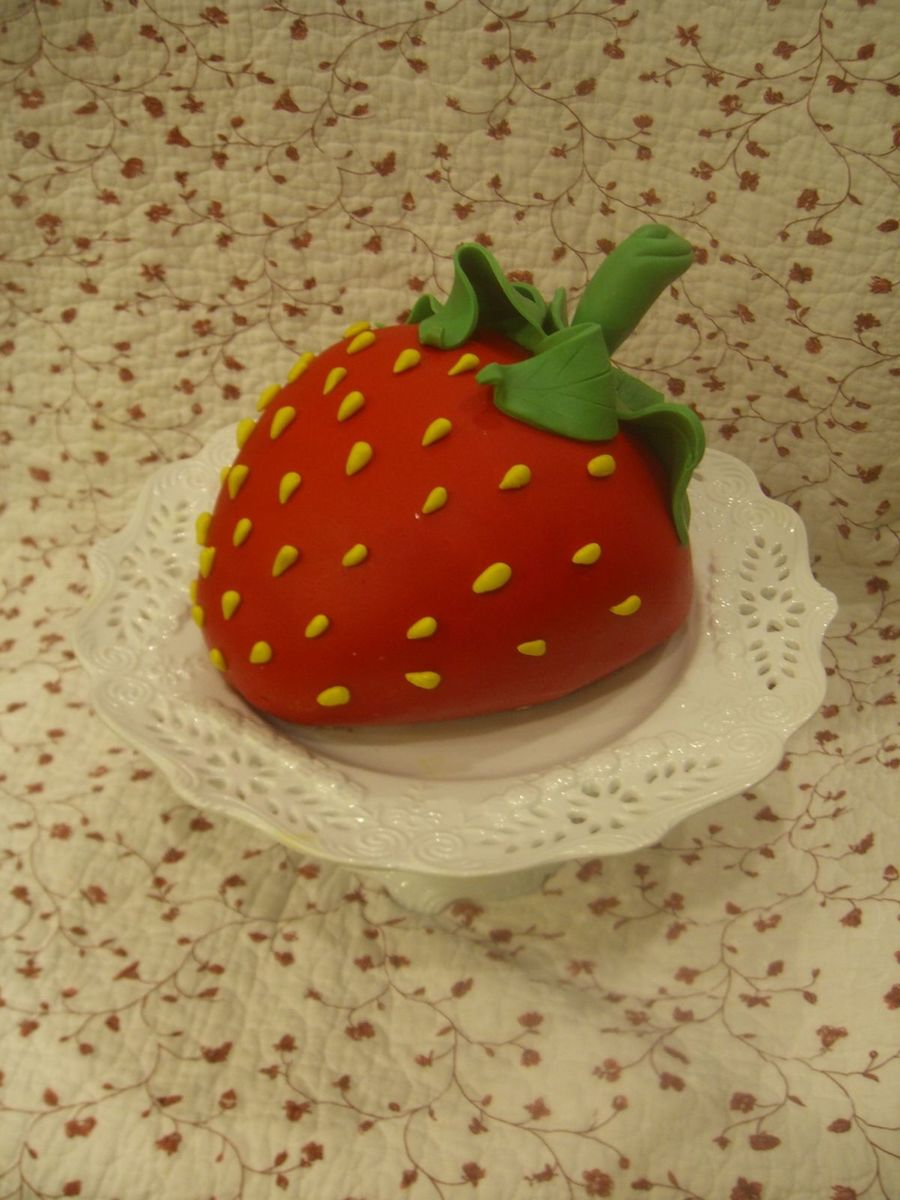 So Strawberry! on Cake Central