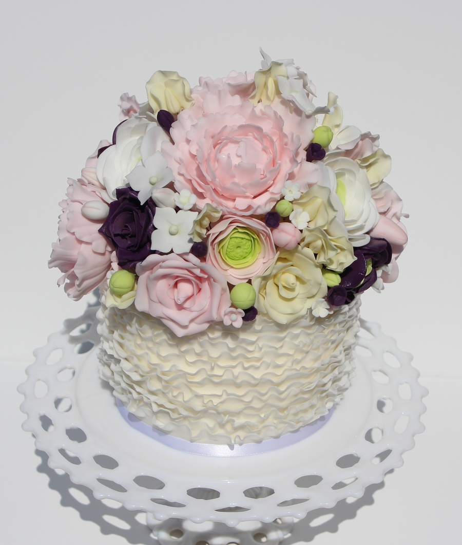 Gumpaste Flowers For Wedding Cakes: 7 Tier, Fondant Ruffled Wedding Cake With Gumpaste Flowers