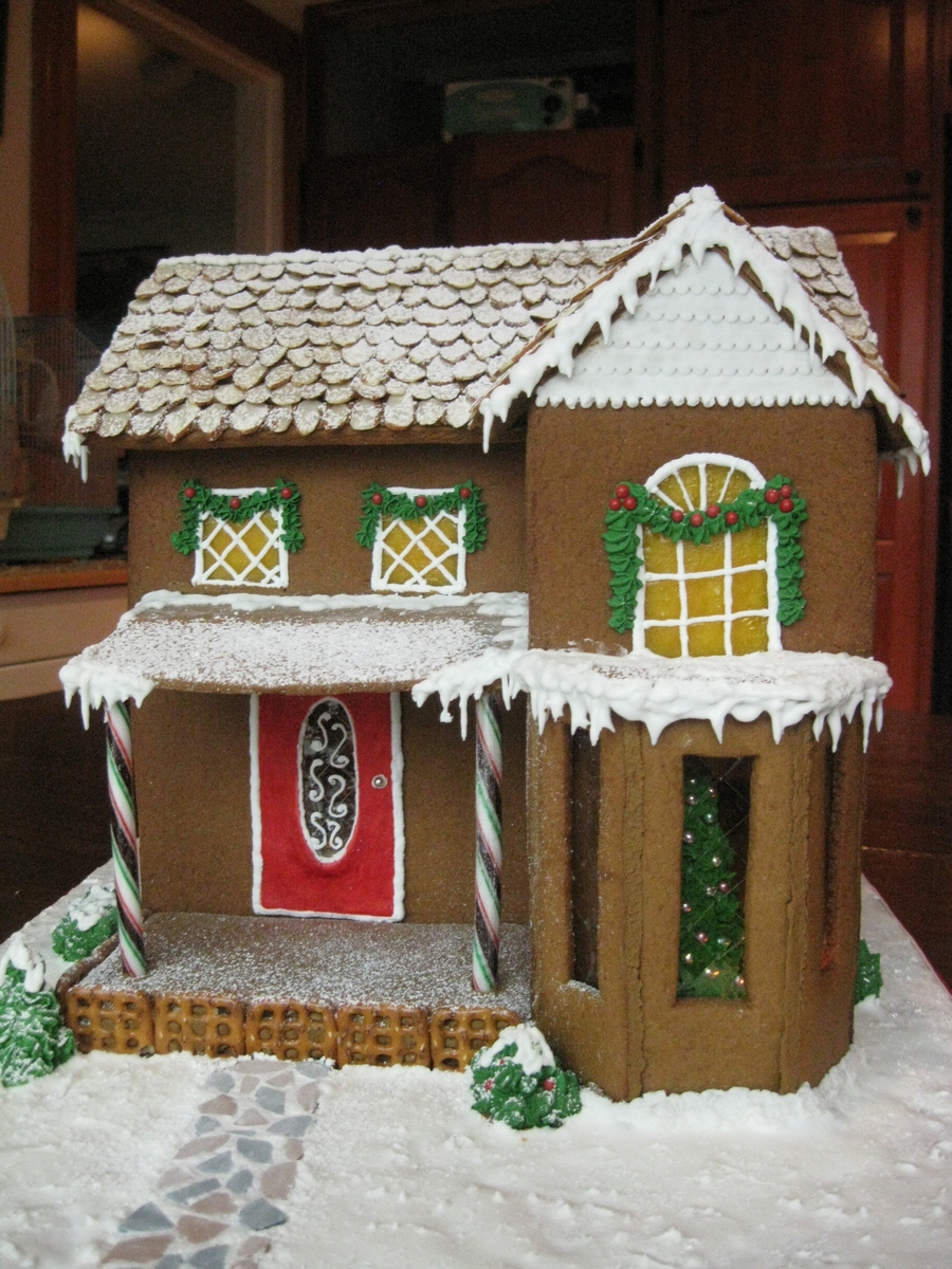 Old New England Gingerbread House Cakecentral Com