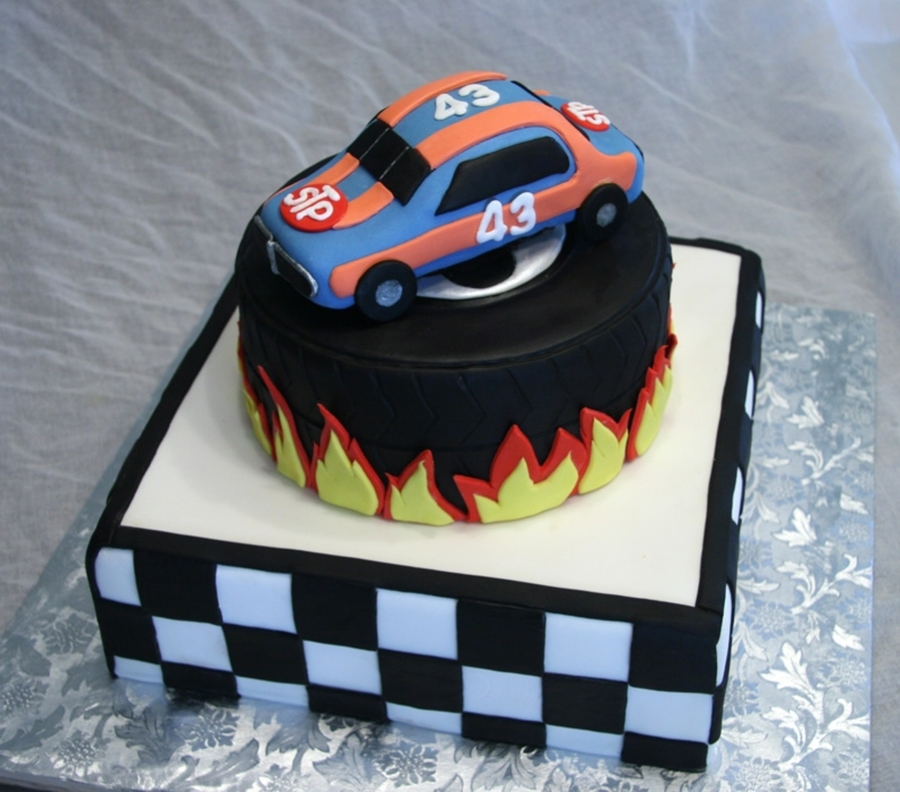 Race Car on Cake Central