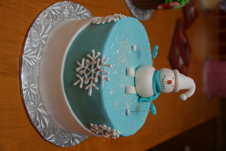 Skiing Snowman on Cake Central