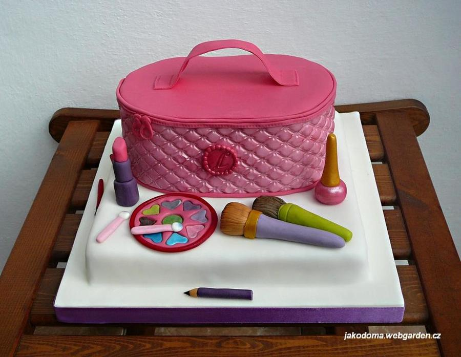 Make-Up Cake  on Cake Central