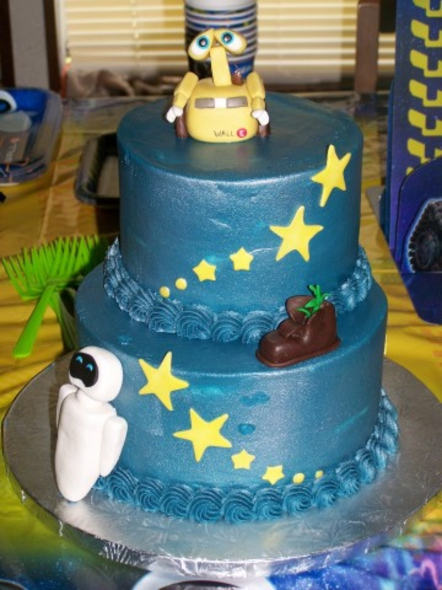 Wall E Birthday Cake 4 Year Old Girl Couldnt Wait To Dig In Hence The