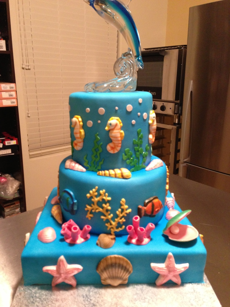 Birthday Cake For My 7 Year Old Gum Paste Seahorses Shells And Fish Air Brush