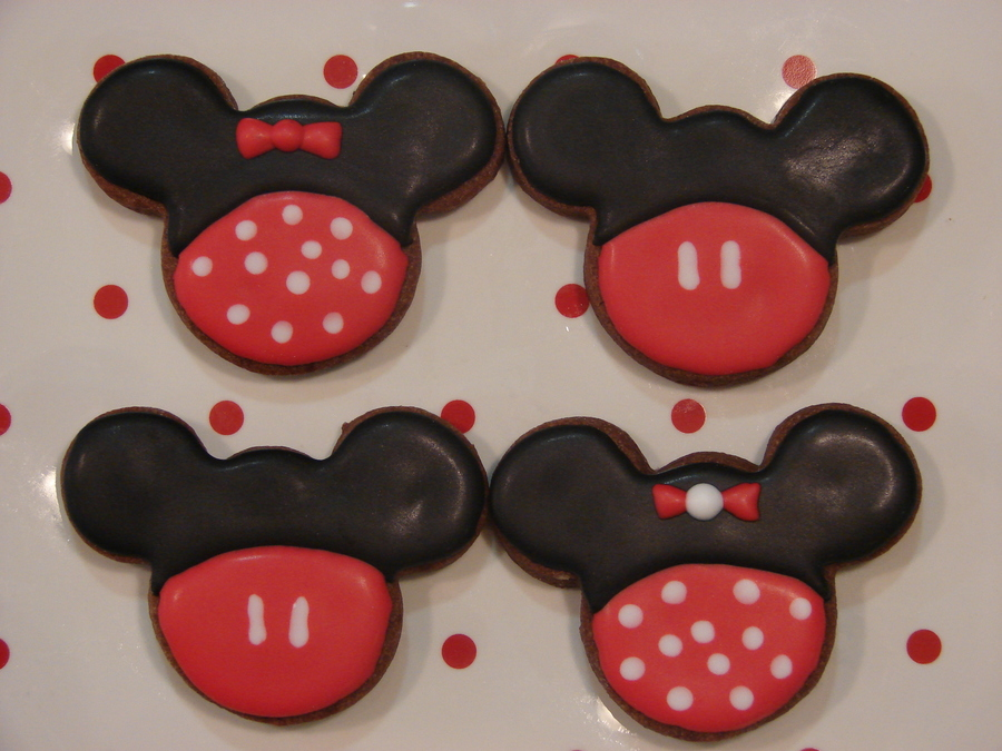 Mickey And Minnie Mouse For Letter Mm At School on Cake Central